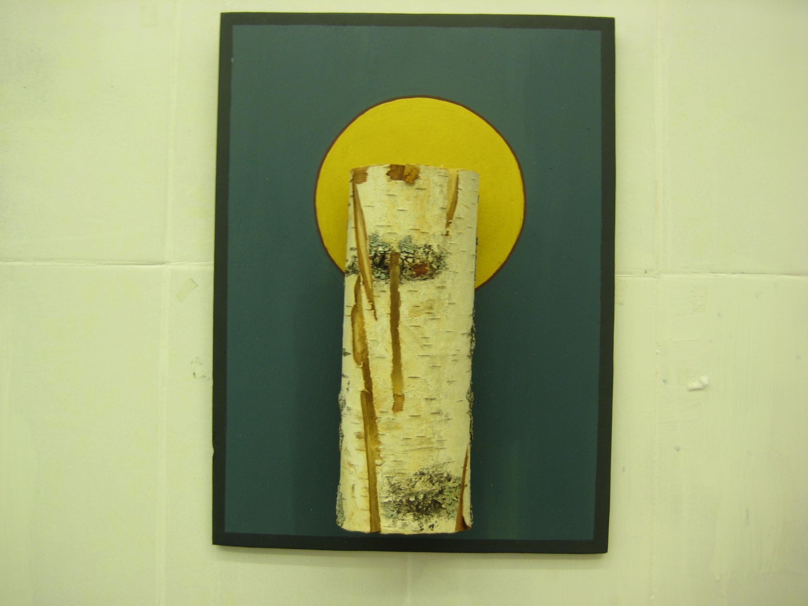 Сакральное отношение к березе художница показала через форму иконы