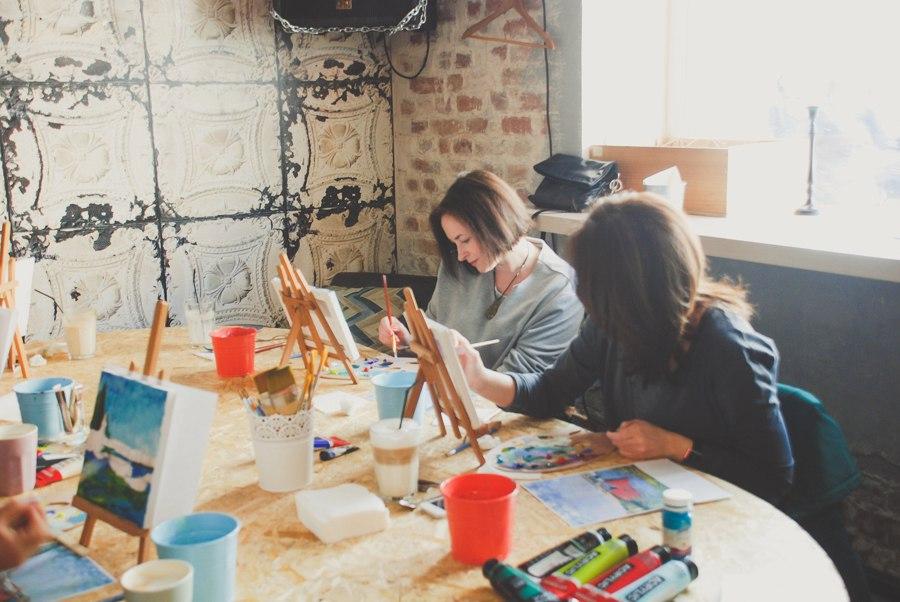 Урок рисования на арт-завтраке