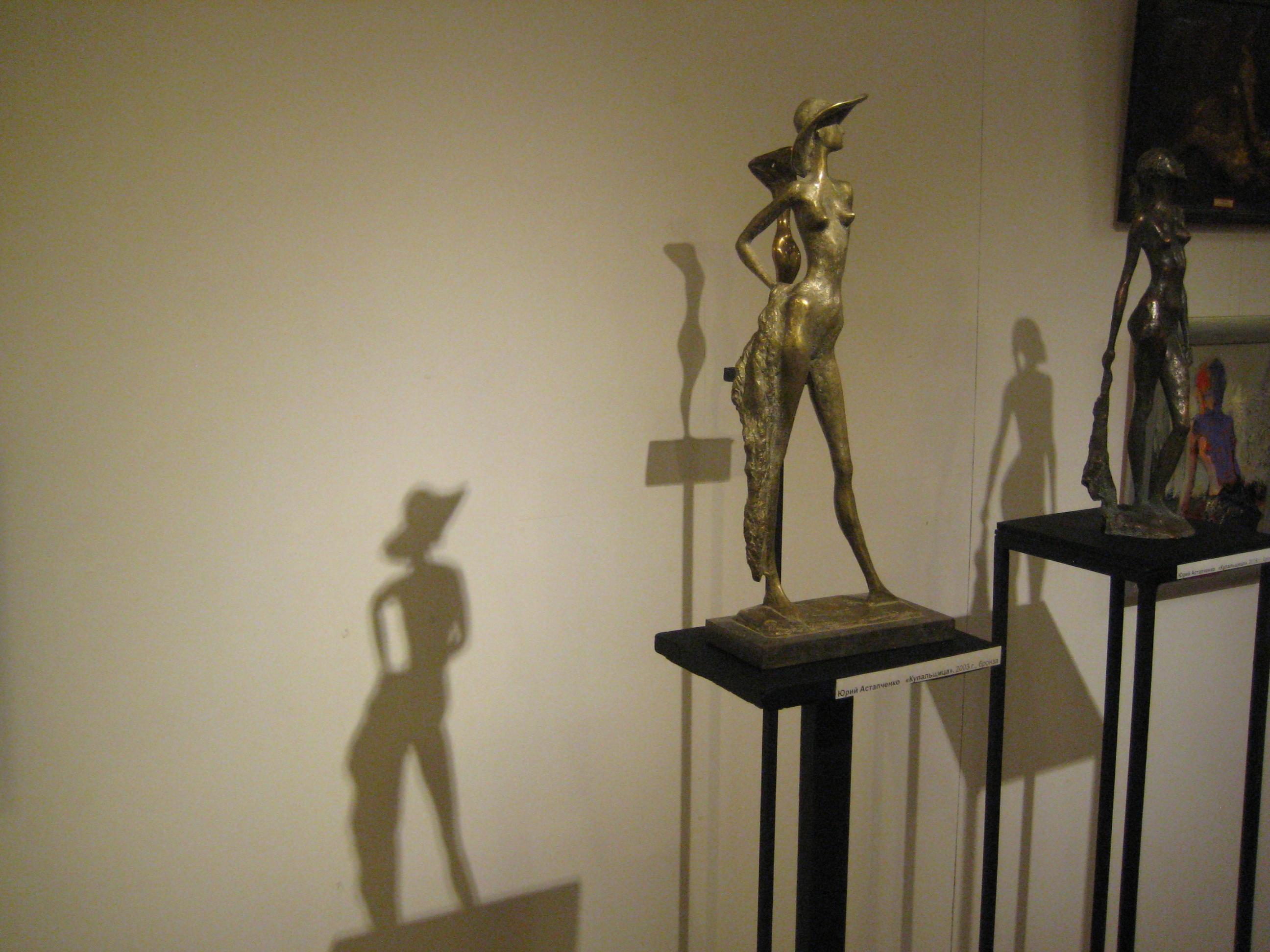 Скульптуры Юрия Астапченко отличаются изяществом и утонченностью