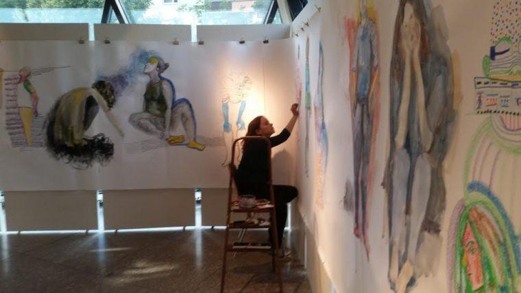 Ксения в процессе создания работ для выставки в Берлине