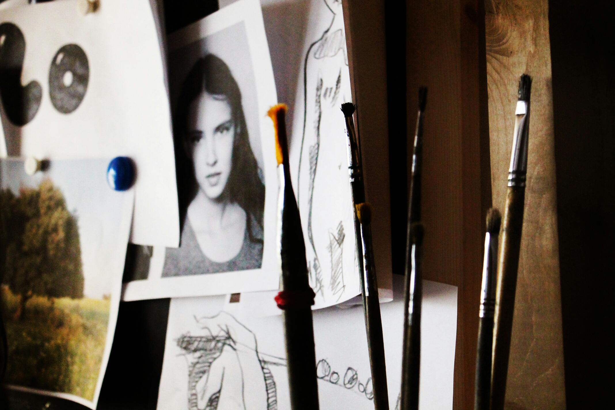 На фото - снимок Кристины, жены художника