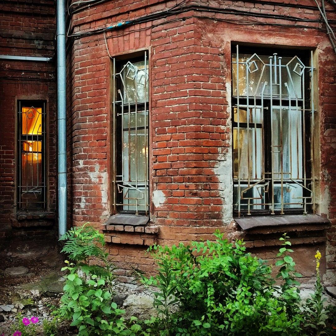 Дом общества квартирантов-собственников на ул. Комиссаржевской, 4 (фото, присланное на конкурс)