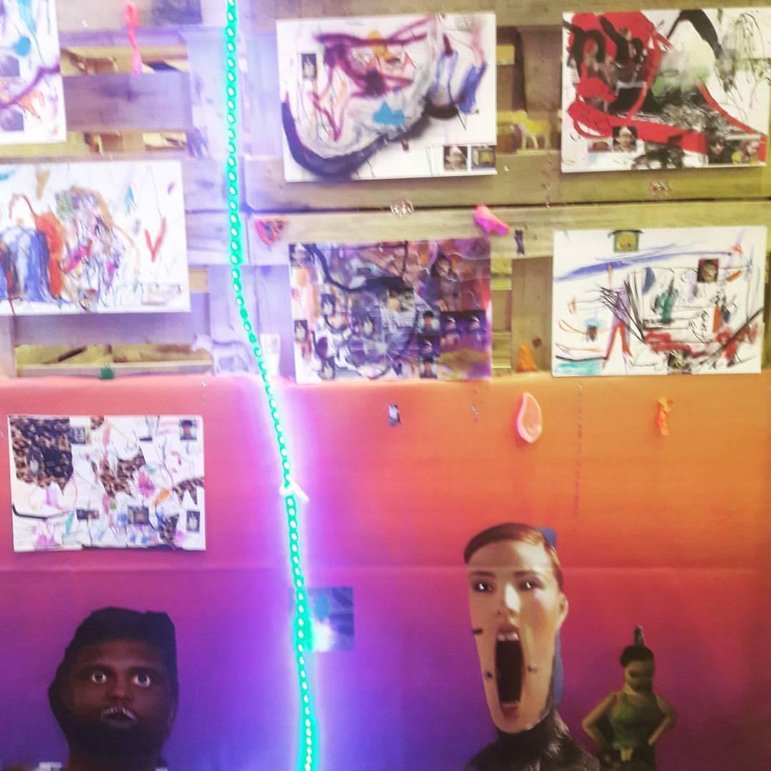 Работы Ивана Горшкова на ярмарке Музея уличного искусства