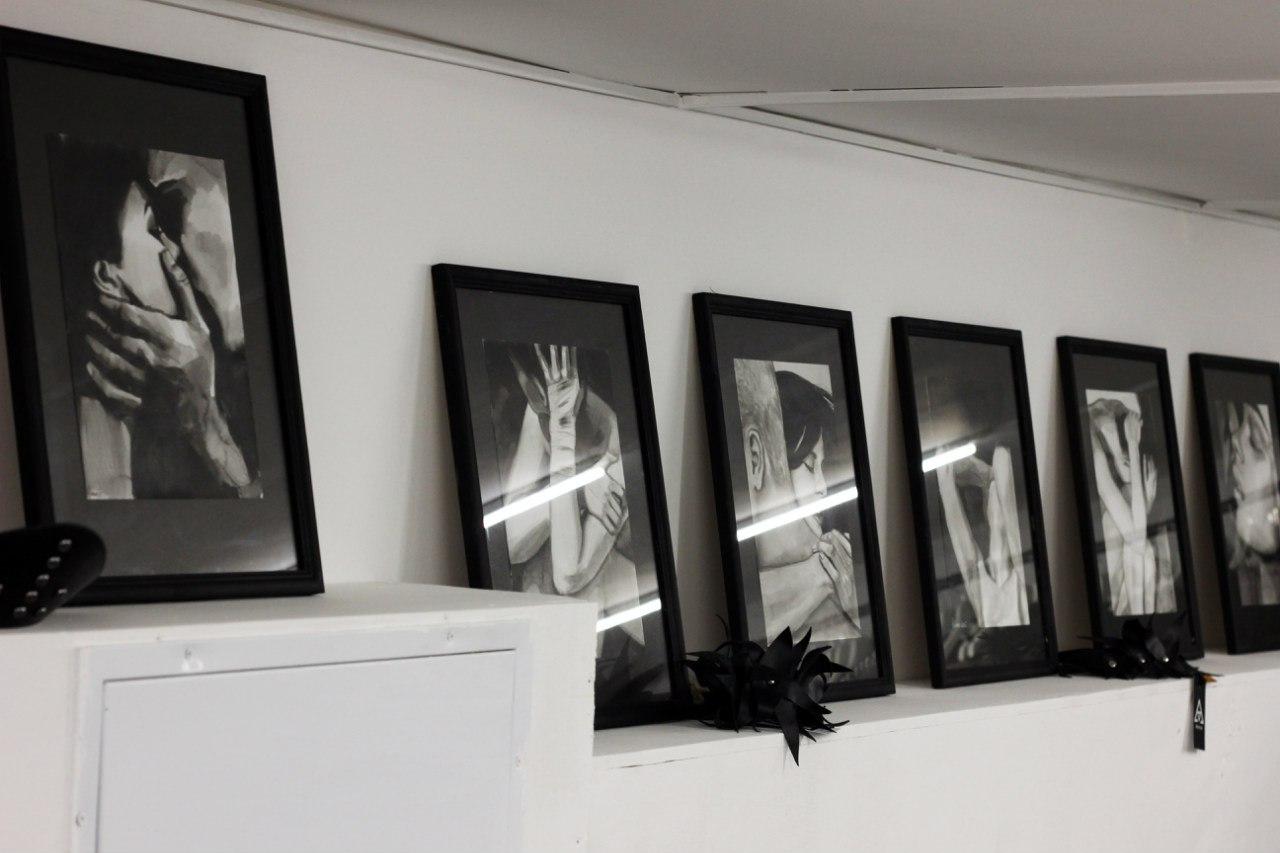 Акварели Даши Щелочилиной на персональной выставке в Москве
