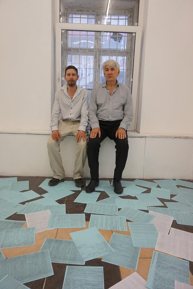 Художник Сергей Лоцманов (слева) и директор галереи Х.Л.А.М. Алексей Горбунов