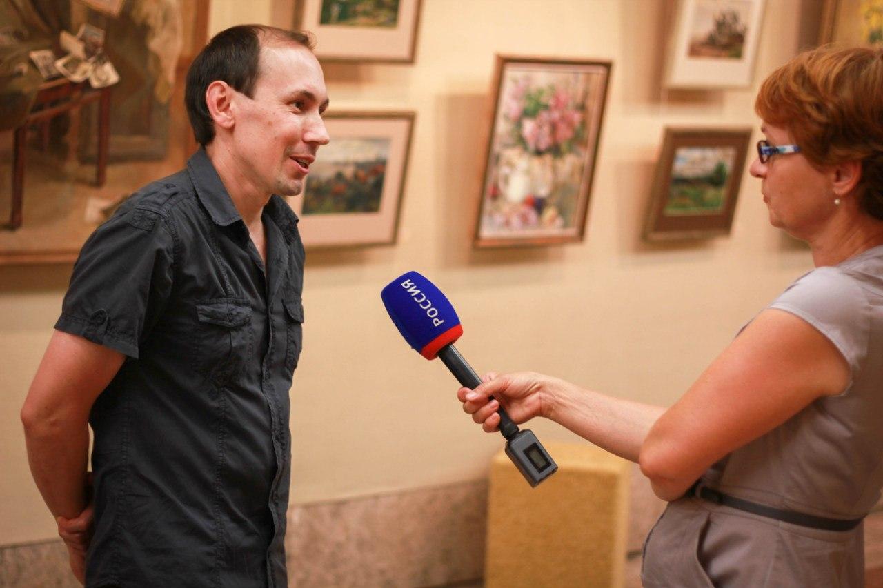 """Максим Ечеин на выставке """"Дорога для двоих"""""""