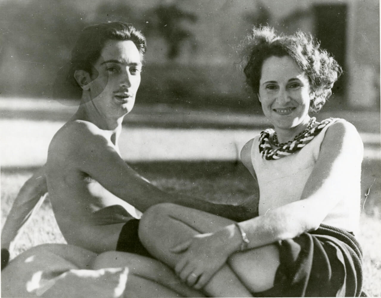 1523402991_salvador-dali-and-gala-1930